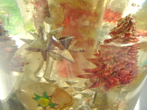A variety of Leo Jean's Starlike© paper sculptures embedded in clear resin